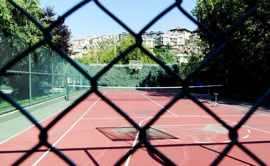 Benefits of a home tennis court